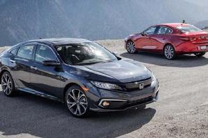 Konsumsi BBM Sedan Mana Paling Irit, Honda Civic Turbo atau Mazda 3?