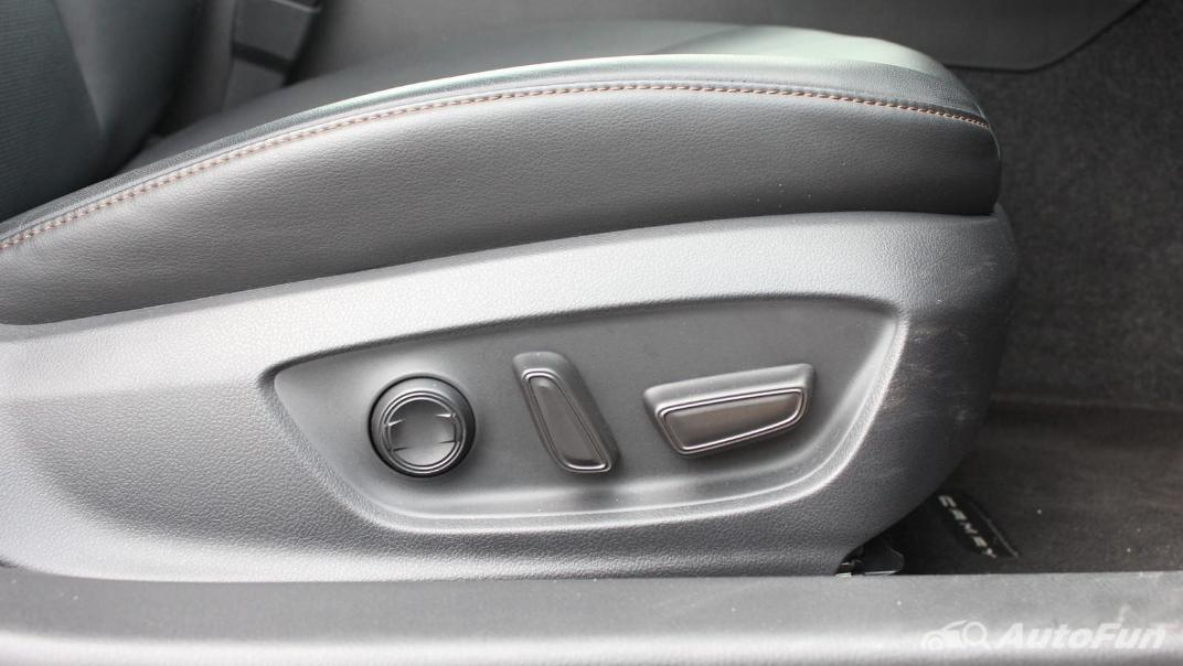 Toyota Camry 2019 Interior 065