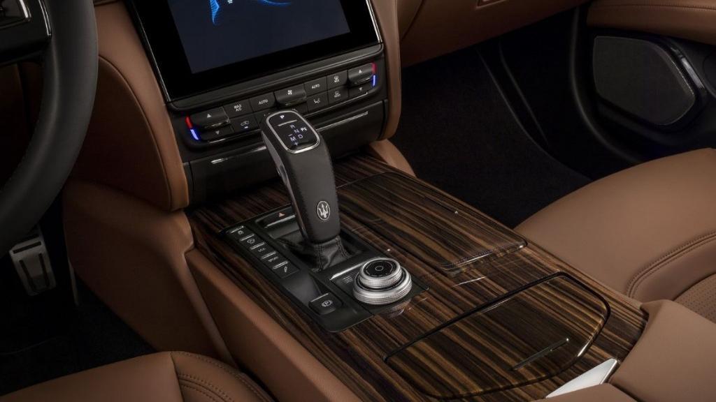 Maserati Quattroporte 2019 Interior 006