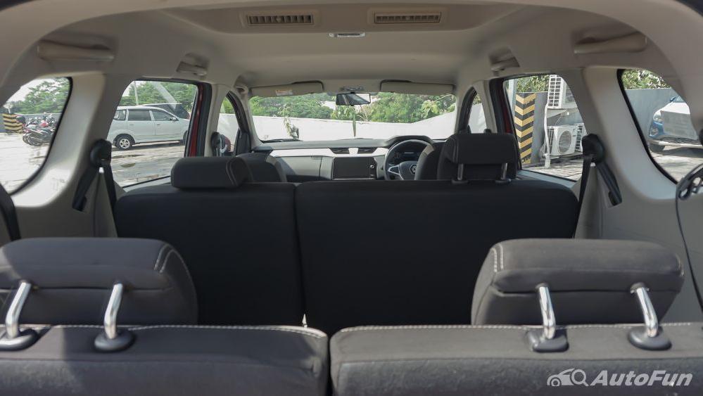 Renault Triber RXZ MT Interior 020