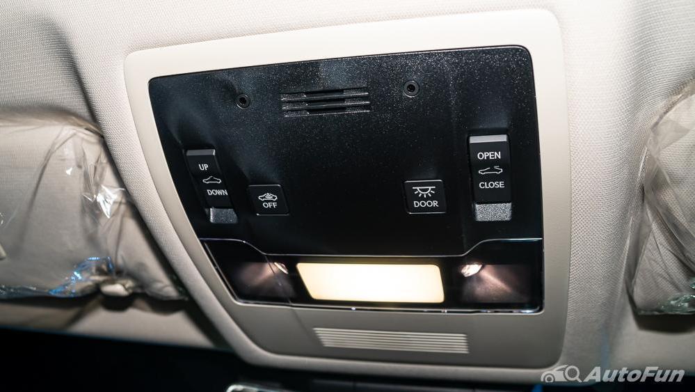 Lexus ES 2019 Interior 032