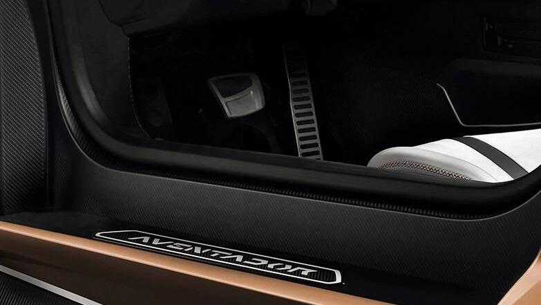 Lamborghini Aventador 2019 Interior 002