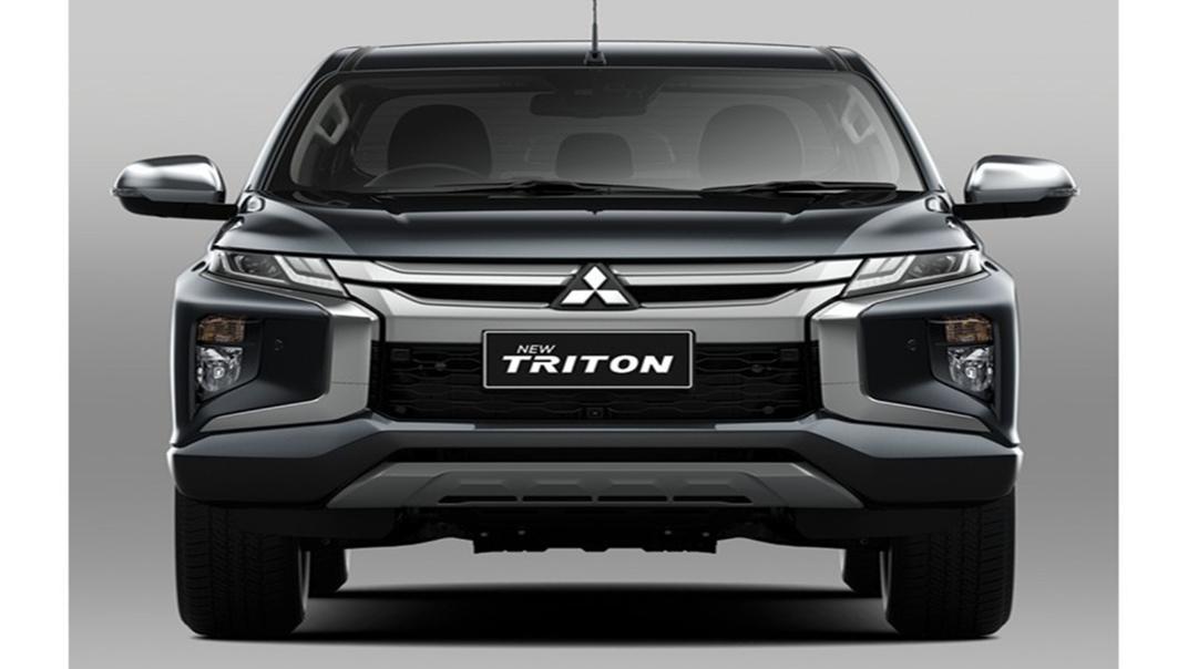 Mitsubishi Triton Exceed MT Double Cab 4WD Exterior 002