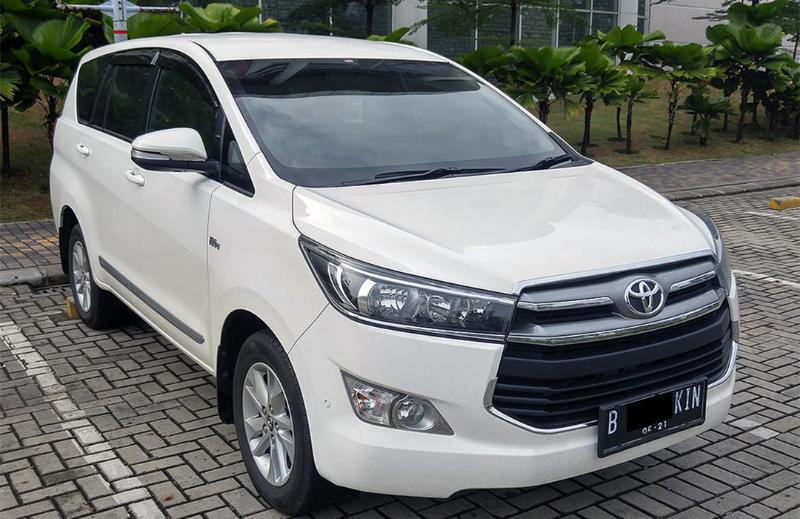 Toyota Raize vs Toyota Kijang Innova Bekas 2016 di Harga Rp 200 Jutaan, Pilih yang Mana? 02