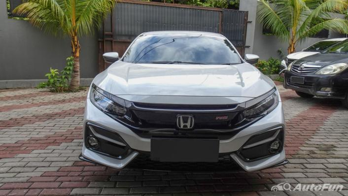 Honda Civic Hatchback RS Exterior 002