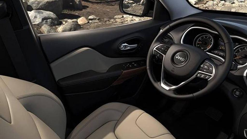 Jeep Cherokee 2019 Interior 022