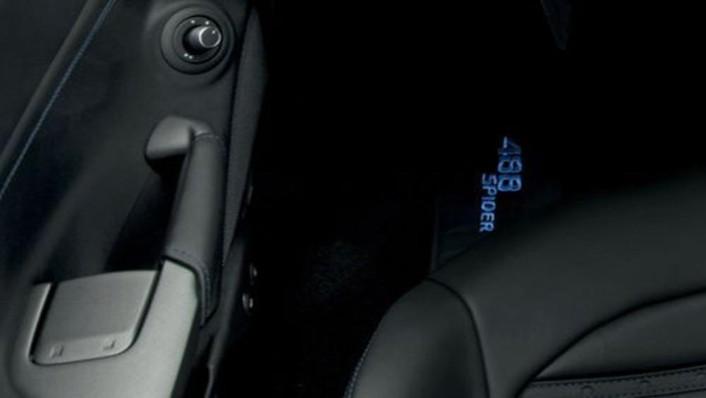 Ferrari 488 Spider 2019 Interior 008