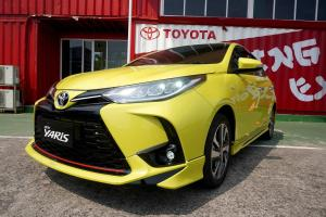 Perbandingan Biaya Servis Toyota Yaris Vs Honda Jazz, Murah Mana?