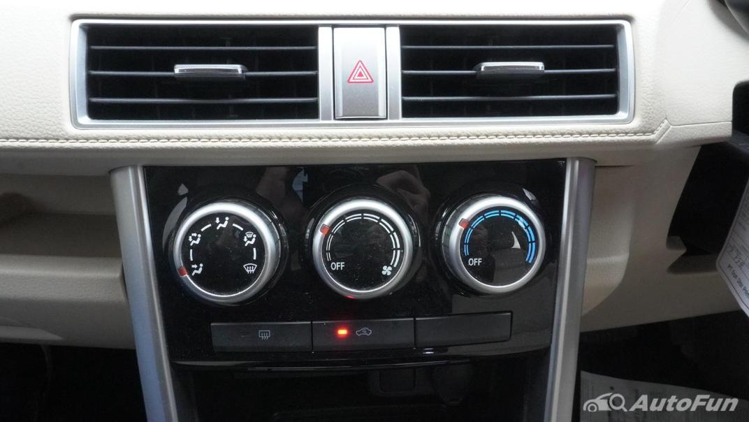 2020 Mitsubishi Xpander Ultimate A/T Interior 018