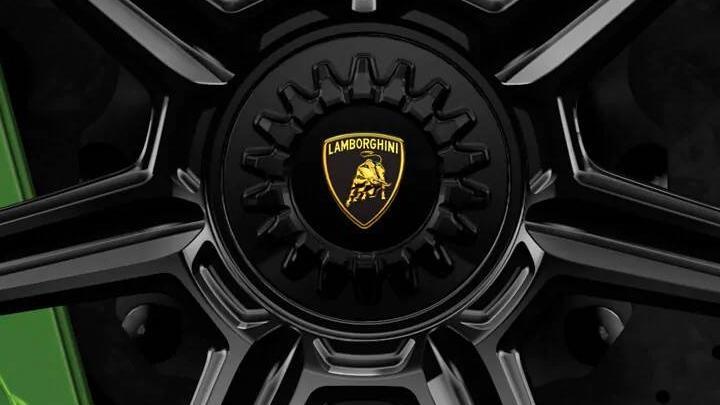 Lamborghini Aventador 2019 Exterior 016