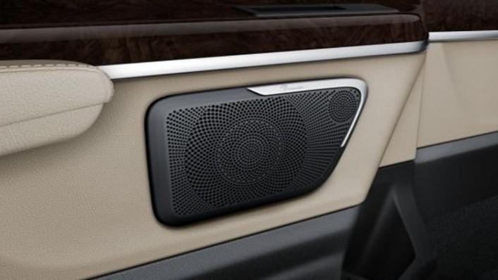 Mercedes-Benz V-Class 2019 Interior 010