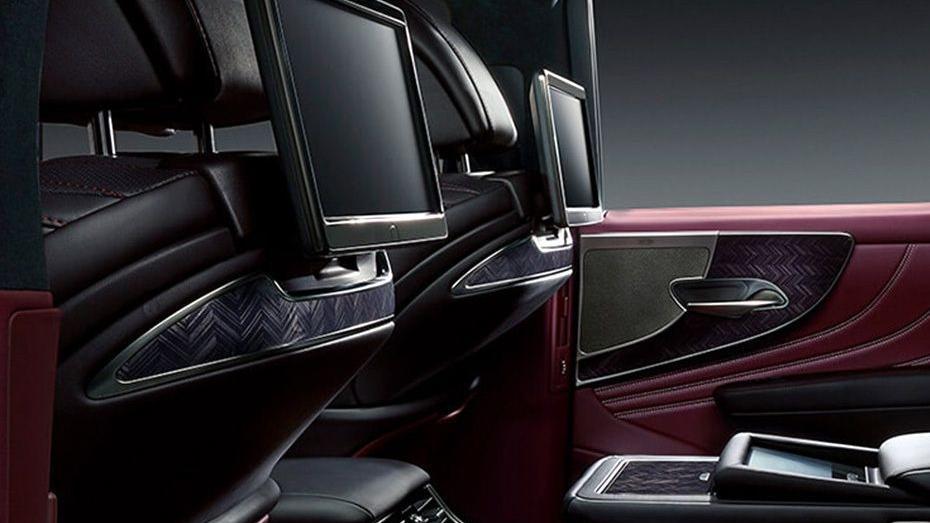Lexus LS 2019 Interior 013