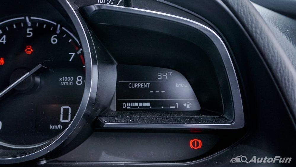 Mazda 2 GT AT Interior 007