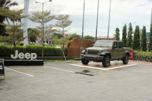 Ingin Membeli Jeep? Jangan Khawatir kini ada APM Resmi di Indonesia.