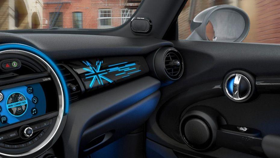 MINI 3 Door 2019 Interior 005