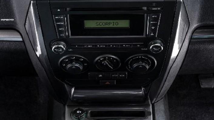 Mahindra Scorpio Pikup 2019 Interior 004