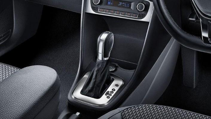 Volkswagen Polo 2019 Interior 007
