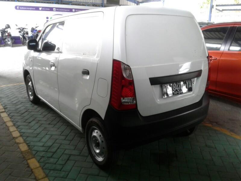 Kelebihan dan Kelemahan Suzuki Karimun Wagon R Blind Van, Mobil Barang yang Lincah di Jalan Kampung 02