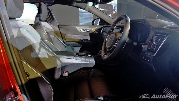 Volvo S60 2019 Interior 003