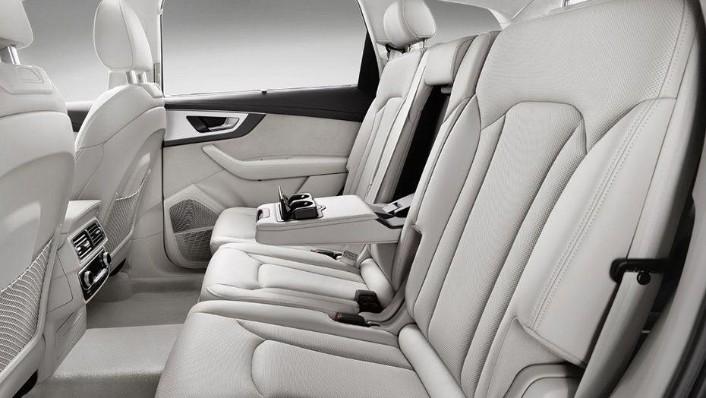 Audi Q7 2019 Interior 006