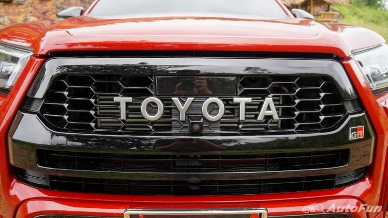 Jajal Toyota Hilux GR Sport 2021 di Thailand, Wajah Garang Tapi Nyaman Buat Harian 02