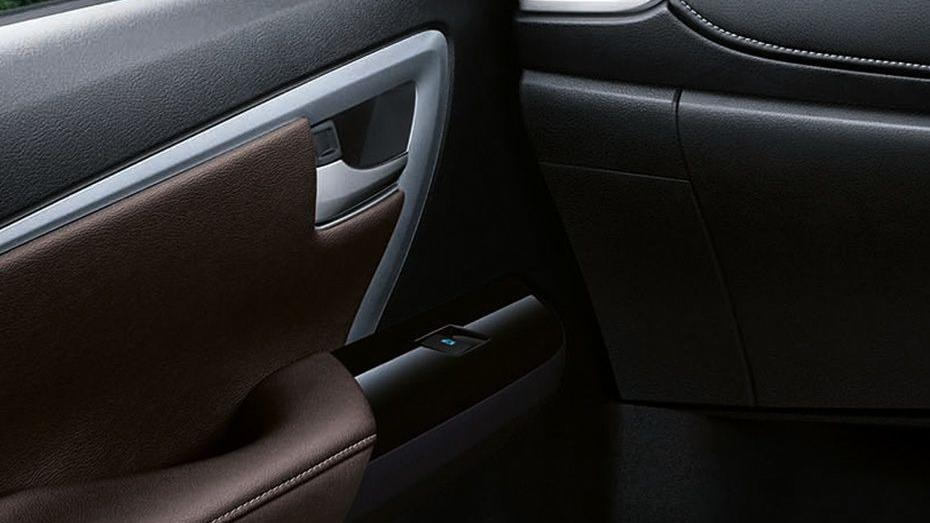 Toyota Fortuner 2019 Interior 050