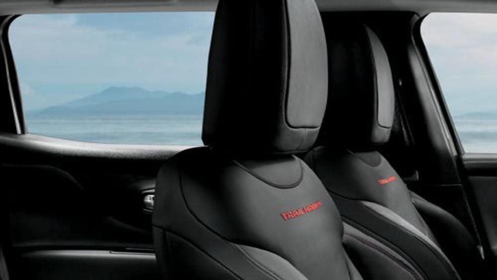 Jeep Renegade 2019 Interior 001