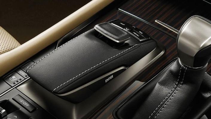Lexus LX 2019 Interior 003