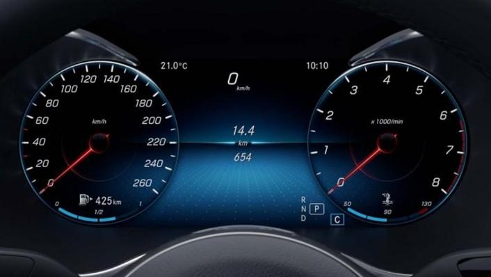 Mercedes-Benz C-Class 2019 Interior 004
