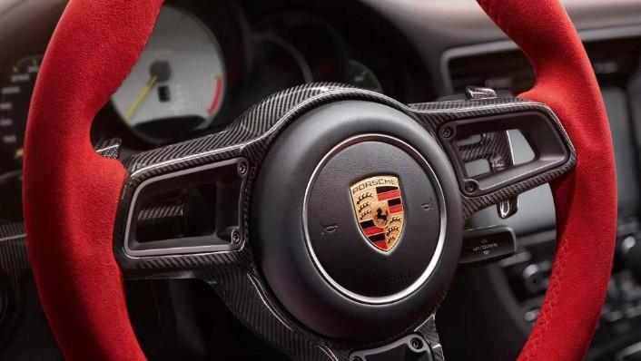 Porsche 911 2019 Interior 004