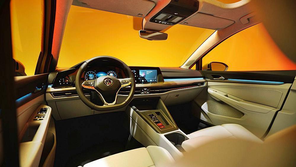 Volkswagen Golf 2019 Interior 064