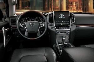 Membeli Toyota Land Cruiser Seharga Rp2 Miliar, Yes or No?