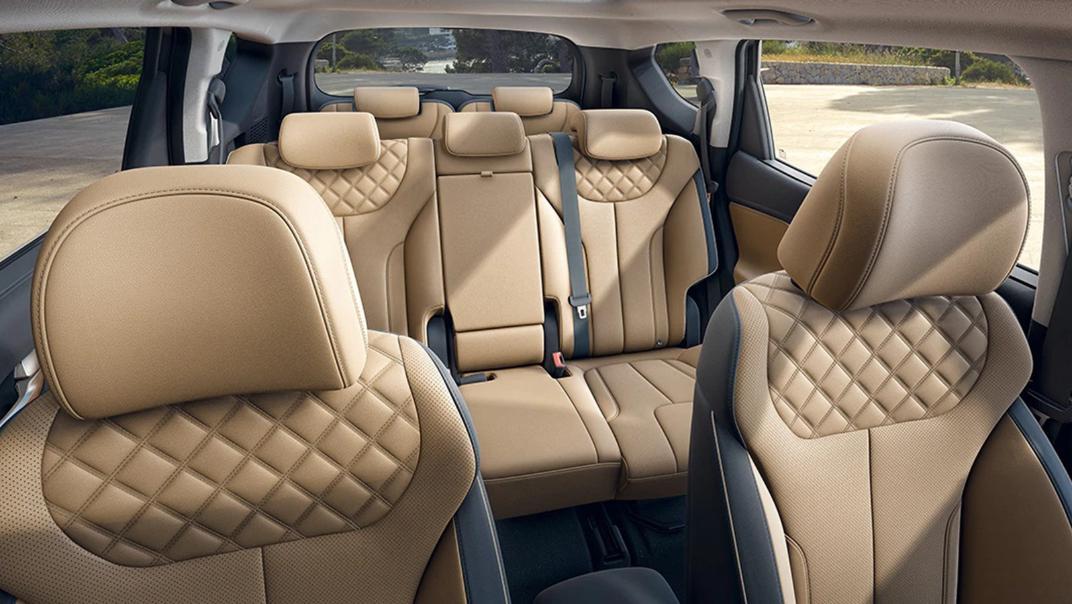 2021 Hyundai Santa Fe Interior 004