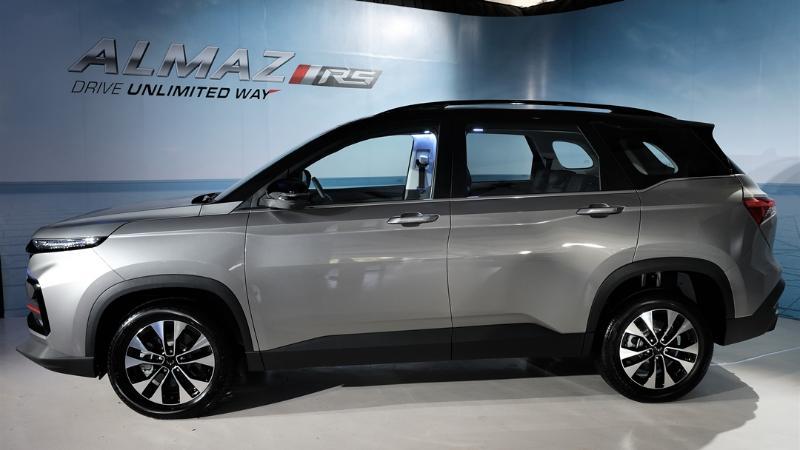 Fitur dan Harga Lebih Oke, Wuling Almaz RS Juga Siap Jegal Toyota Kijang Innova 02
