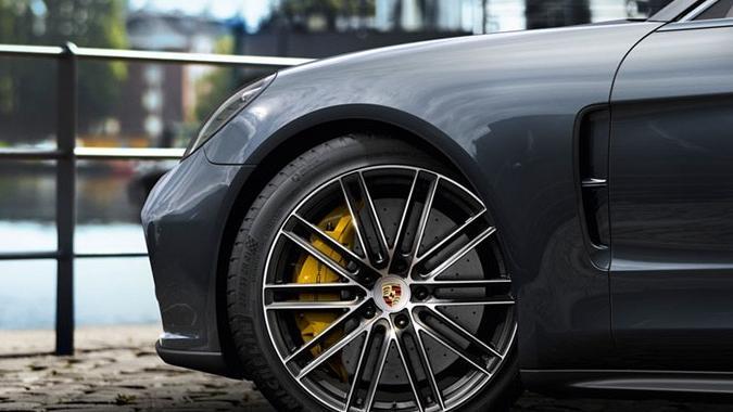 Porsche Panamera 2019 Exterior 017