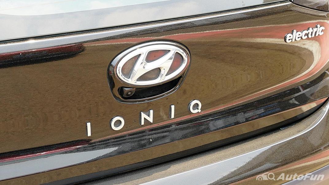 2021 Hyundai Ioniq Electric Exterior 011