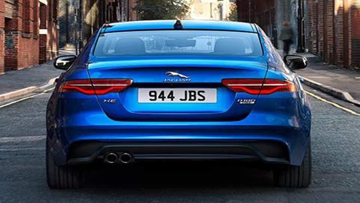 Jaguar XE 2019 Exterior 013