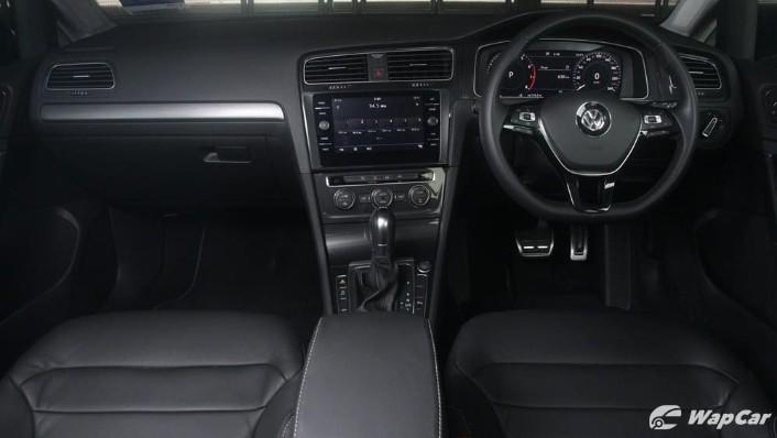 Volkswagen Golf 2019 Interior 001