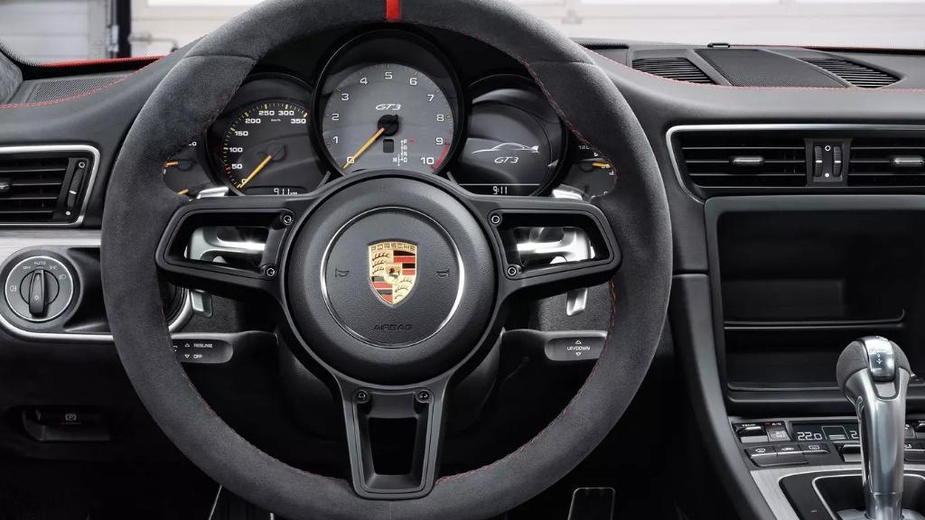 Porsche 911 2019 Interior 013