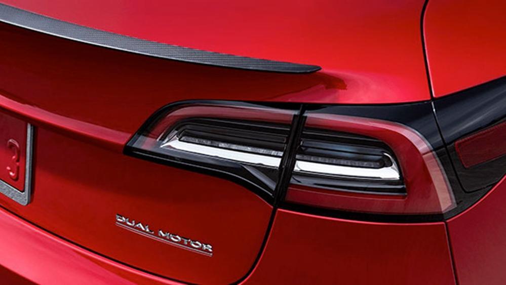 Tesla Model 3 2019 Exterior 005