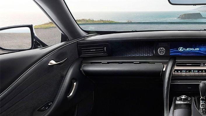 Lexus LC 2019 Interior 007