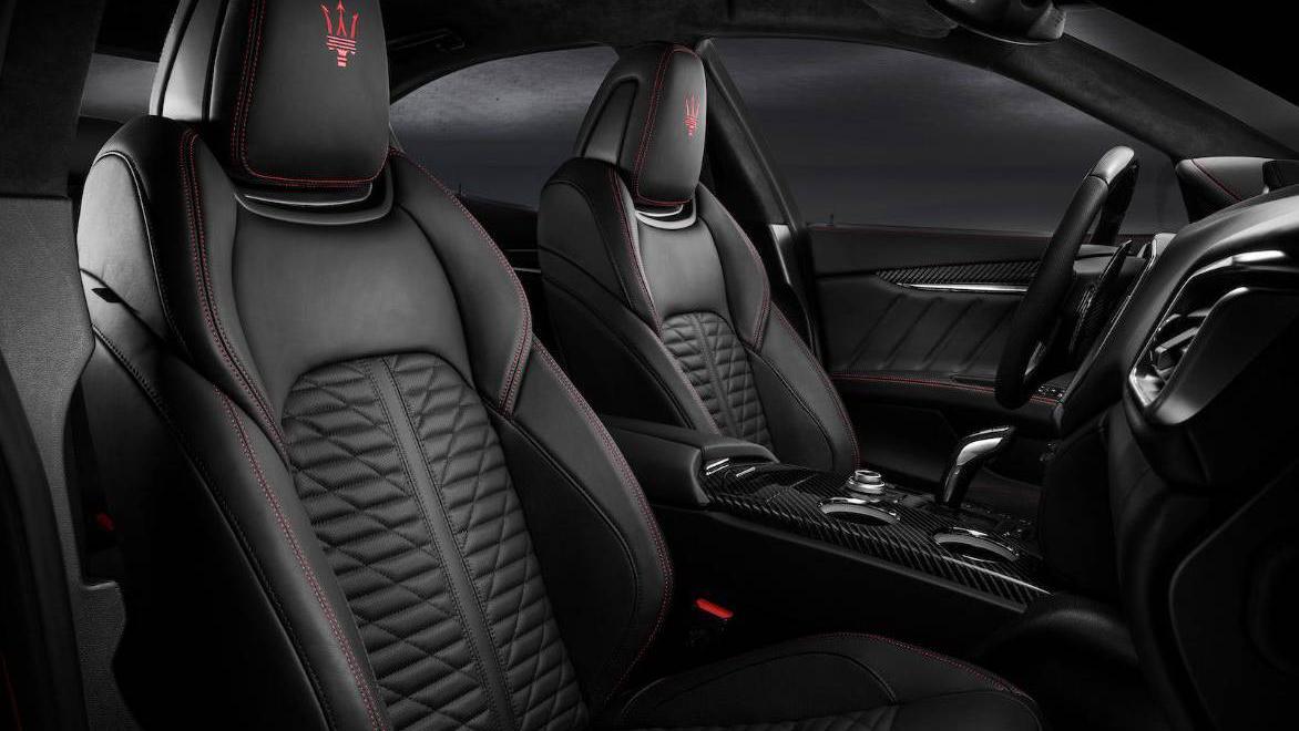 Maserati Ghibli 2019 Interior 014