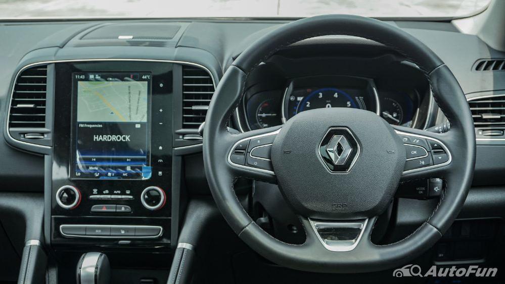 Renault Koleos Signature Interior 001