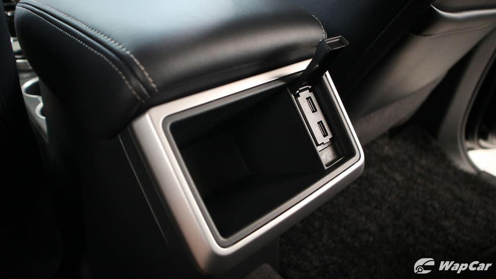 Mitsubishi Triton 2019 Interior 031