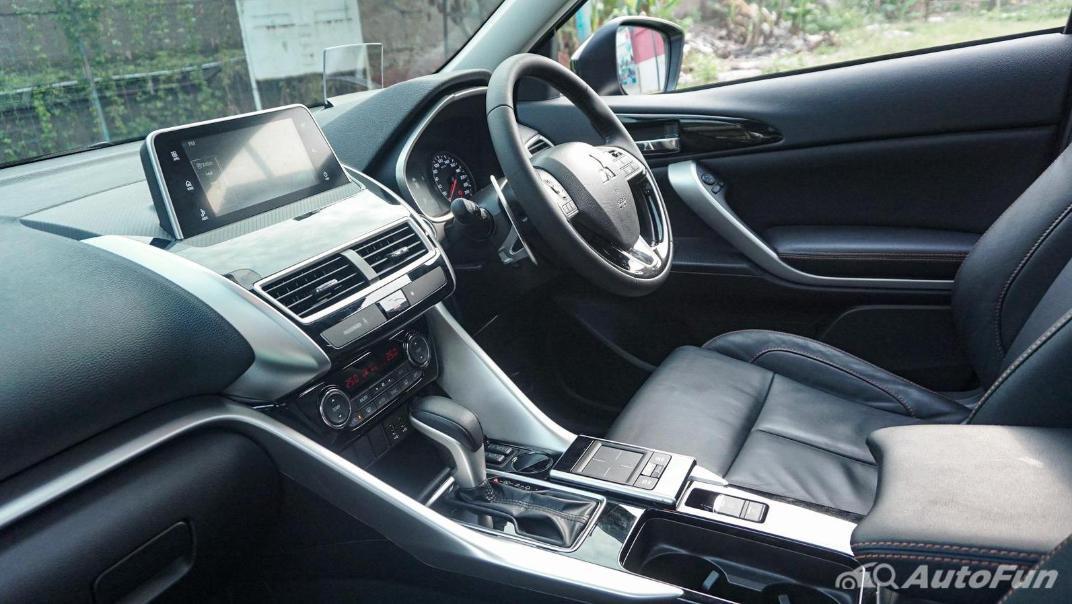 Mitsubishi Eclipse Cross 1.5L Interior 041