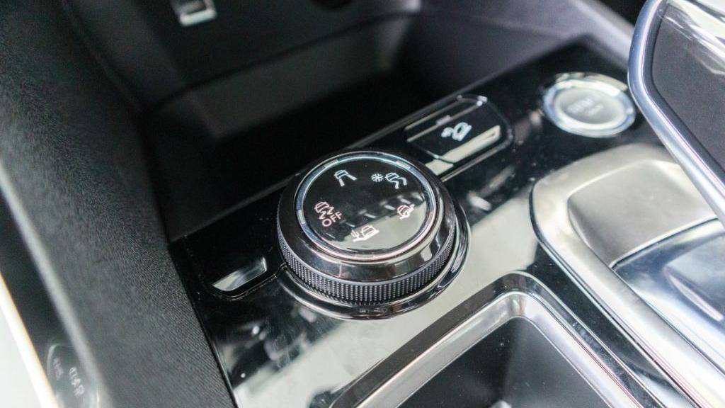 Peugeot 3008 2019 Interior 018