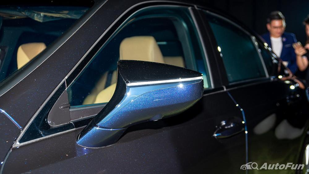 Lexus ES 2019 Exterior 028