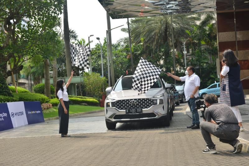First Drive Hyundai Santa Fe Bensin, SUV Mewah yang Bikin Ganteng ala Oppa Korea! 02