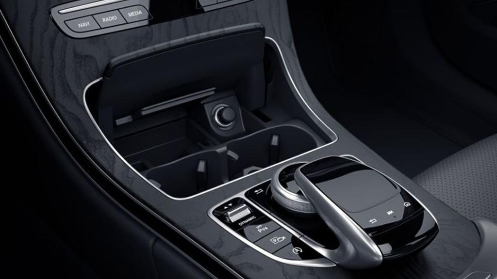 Mercedes-Benz C-Class Coupe 2019 Interior 007