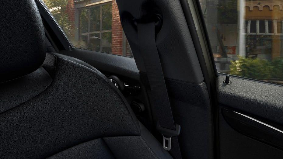 MINI 5 Door 2019 Interior 007